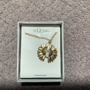 NEVER OPENED SUNFLOWER NECKLACE